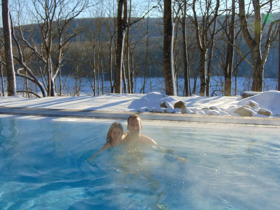 Winter-Pool-Vergnügen